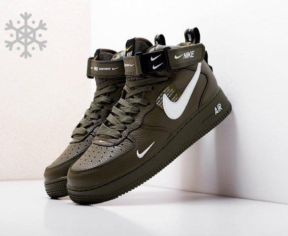 Nike Air Force 1 07 Mid LV8 dark green