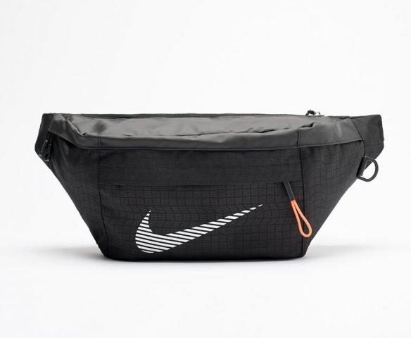 Сумка Nike поясная черная