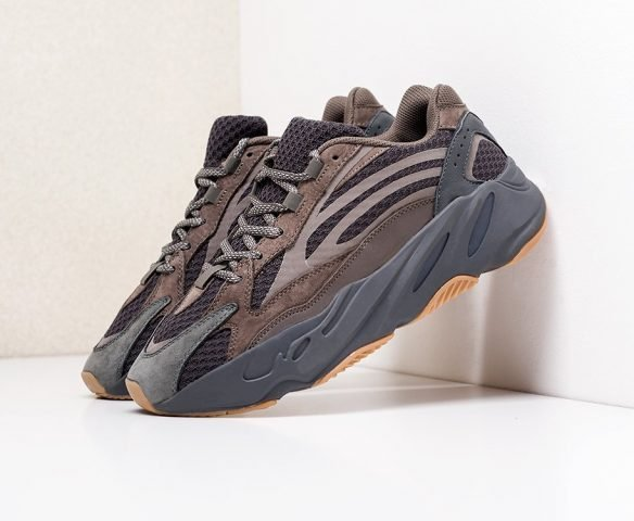 Adidas Yeezy Boost 700 v2 коричневые