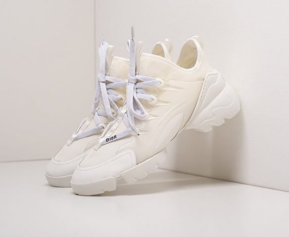 Dior D-Connect all white