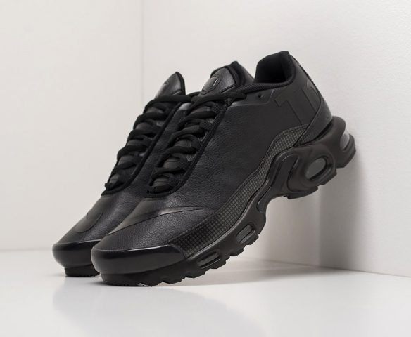 Nike Air Max Plus TN leather black