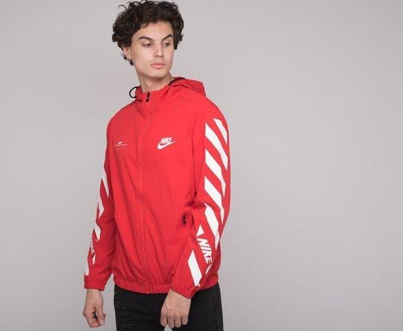 Ветровка Nike red