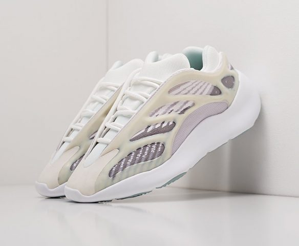 Adidas Yeezy Boost 700 v3 белые (white)